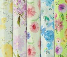 Balící papír  role 2m x 70cm, květiny mix